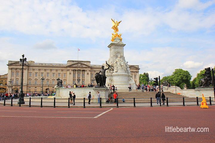 【英格蘭Day5-1】倫敦:特拉法加廣場(Trafalgar Square).白金漢宮(Buckingham Palace)