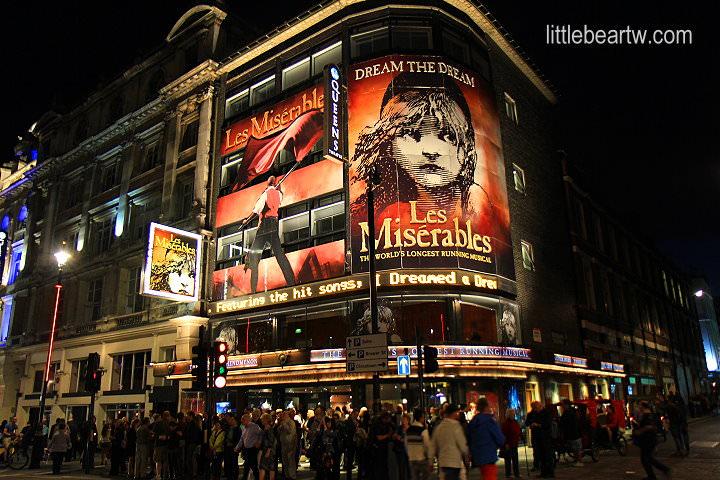 【英格蘭Day5-4】倫敦:皇后劇院(Queen's Theatre)-悲慘世界(Les Misérables)音樂劇 Do You Hear The People Sing?